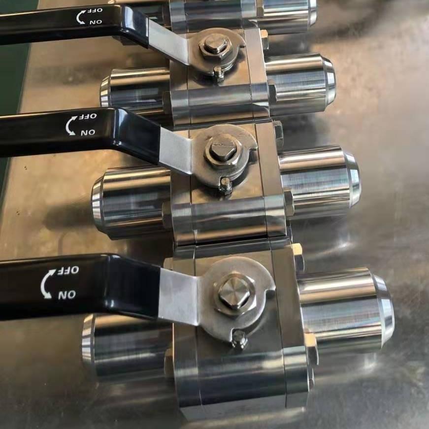 高压焊接球阀Q61F-160
