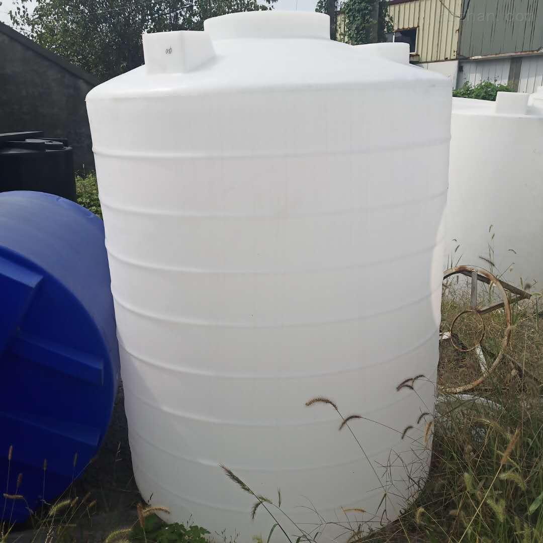 大理2吨塑料储水箱 2立方液碱储罐