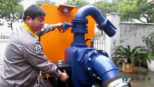 真空辅助自吸式移动泵车操作演示