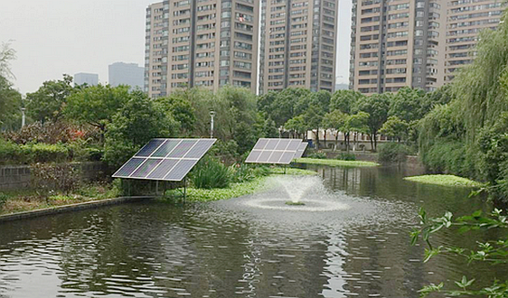 不费电,不掉链 污水处理好伙伴——太阳能曝气机