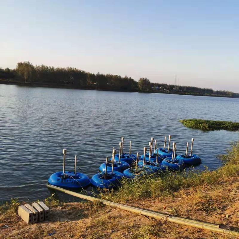 安徽客户来新秀订货50台浮筒曝气机